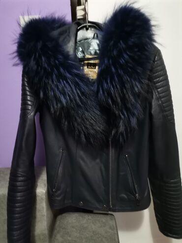 Kozna jakna sa krznom - Srbija: Teget kozna jakna sa prirodnim krznom vel m, krzno se ne skida