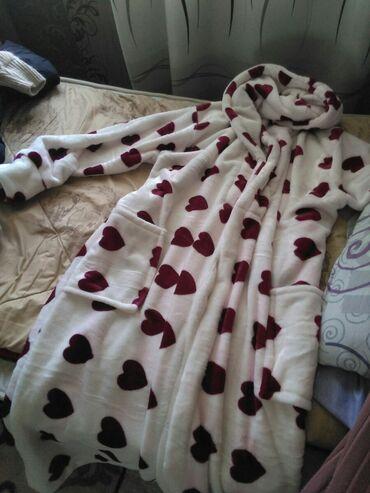 махровые халаты бишкек in Кыргызстан | ПЛАТЬЯ: Махровый халат с капюшоном Есть все цвета и размеры Принимаем заказы 2