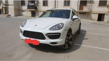 Bakı şəhərində Porsche Cayenne 2012