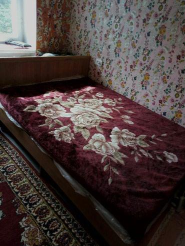 Кровать с матрасом. Состояние хорошее.  в Бишкек