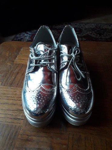 Srebrne cipele br 38 za usku nogu,samo probane - Obrenovac