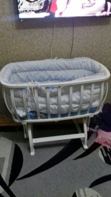 Sumqayıt şəhərində uşaq beşiyi yaxşi veziyyetde tecili satilir.70 manat