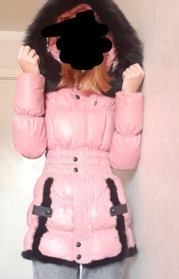 Куртка зимняя. Б/У . Мех натуральный. Размер S . Брали примерно за 6