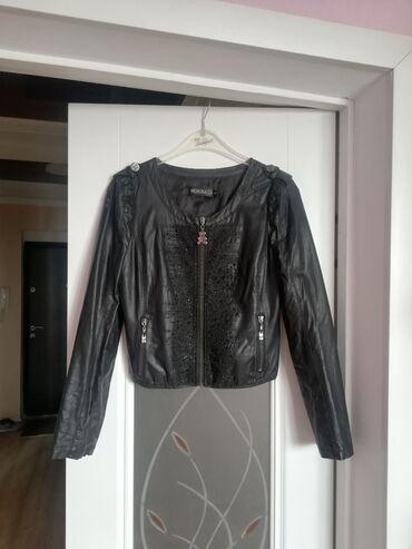 Куртки - M - Бишкек: Кожаная куртка. размер М. 600 с