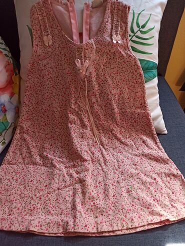 Decije haljine - Krusevac: Preslatka haljinica za devojčice, veličina 6, proizvodjač Twins.100%