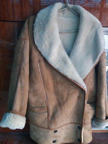 дублёнку женскую в Кыргызстан: Продаю дубленку натуральную раз.48-50 женская. Цвет коричневый