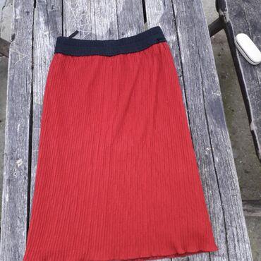 Plise od trikotaže vel XL /XXL Suknja je od tamno crvene,skoro bordo