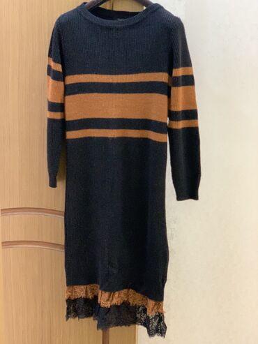 черное до колен платье в Кыргызстан: Тёплое платье итальянское ниже коленносила 1 раз