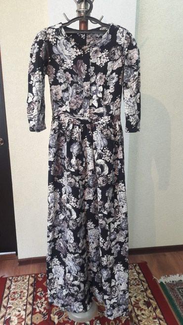 Продаю платья размер 44 46 сидит по фигуре одевала один раз в Бишкек