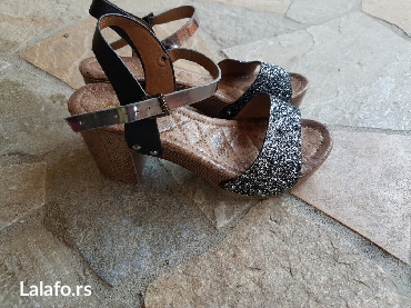 Sandale nove, broj 36, udoban model i jako lep uzivo