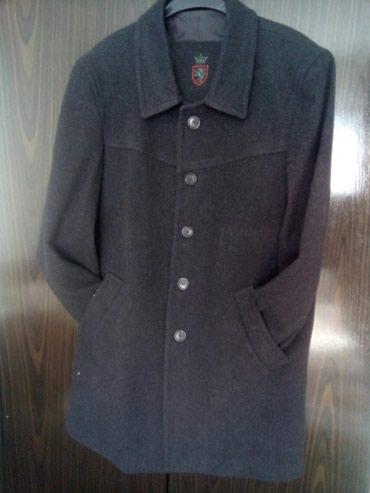 Na prodaju dva muska kaputa ,cena dogovor, moderno elegantno, broj 50 - Beograd