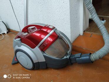 Очень мощный пылесос даже воду берёт мотор Германия твин турбо