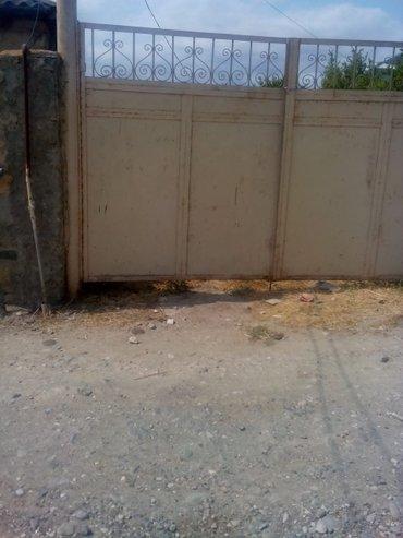 Naftalan şəhərində Naftalanin girişinde Zapravka ile uzbeuz 17sot torpaq sahesi olan