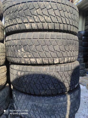 шины на 17 цена в Кыргызстан: 265.65.17 размер Продаю шины комплект зимняя липучка Японский