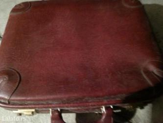 Prodaje se kozni kofercic bordo boje - Crvenka