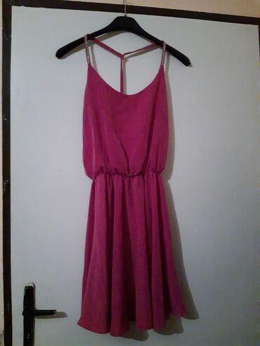 Nova haljina sa etiketom, nikada obučena. Veličina M. Boja se najbolje