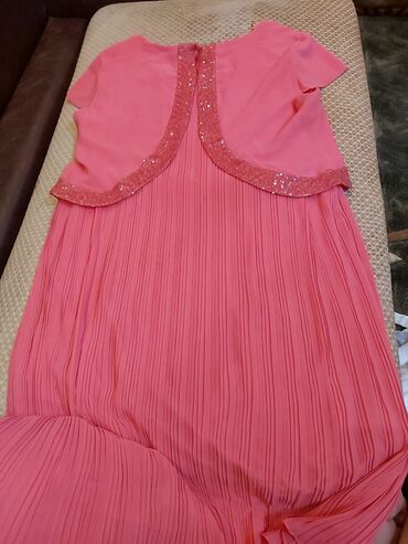 Разгрузка гардероба. Г.Ош Продам шикарное платье с плессировкой