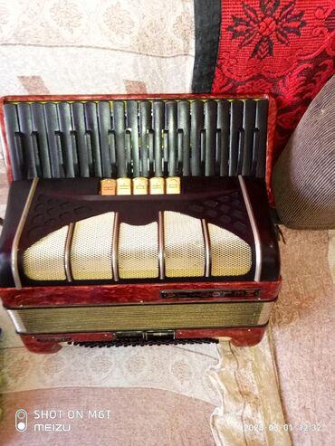 Harmonike | Srbija: Na,prodaju xarmonika model melodija 80 basa 5+2reg u solidnom.stanju i