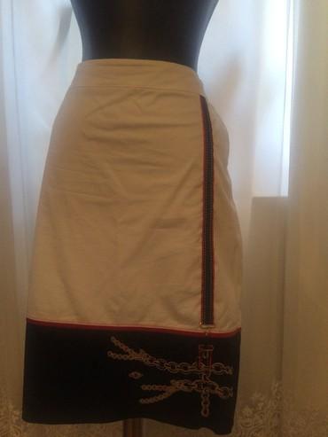 юбка-новая в Азербайджан: Почти новая юбка на подкладке, покупала дорого