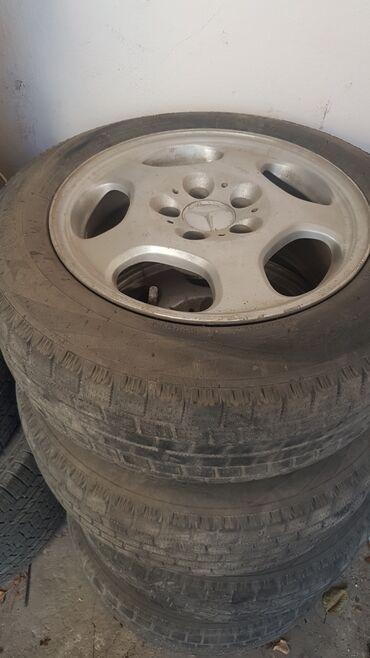 шины зимние бу r16 в Кыргызстан: Продаю диски r16 от мерседес 210 черепашки. на зимней резине. Не кат