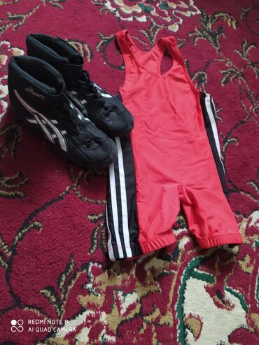 спортивный-комплект в Кыргызстан: Продаю трико барцовка комплект одевал 15 дней выглядет как новый