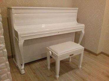 """Bakı şəhərində Çexoslovakiya istehsalı """"Weinbach""""  piano - İdeal seviyyeli aletdir."""