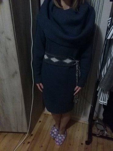 NOVA vunena plava haljina sa velikom rolkom i pojasom oko struka. - Uzice