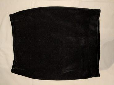 Μαύρη βελούδινη φούστα pencil (από μοδίστρα) με φερμουάρ στο πίσω