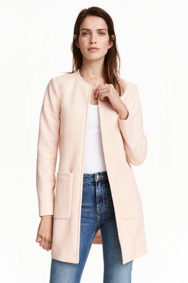 Легкое розовое пальто H&M из Англии, размер 12 британский, наш 46. в Бишкек