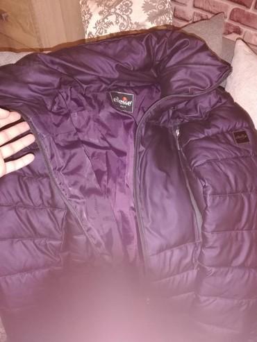 ELESE zimska jakna, blago strukirana, M velicina. Ima kapuljacu. Super - Batocina