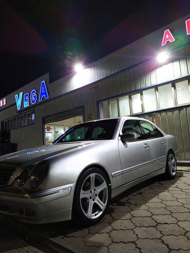 Mercedes-Benz E 320 3.2 л. 2000 | 120000 км