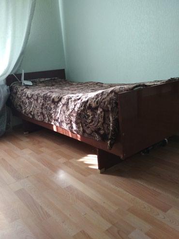 2 деревянные кровати в хорошем состоянии по 2.500 сом в Бишкек