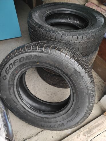 Продаются шины 265/65 R17. Под масло. В использовании были 1месяц