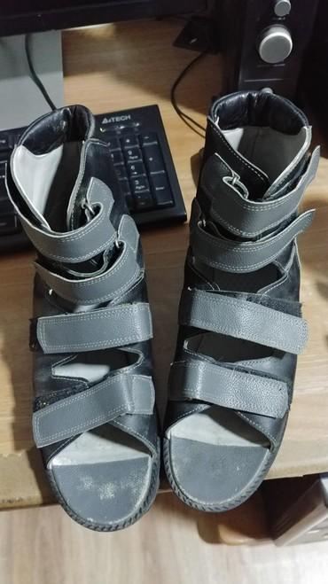 obuvzimnie 38 razmer в Кыргызстан: Продаю детскую обувь ортопедическую размер 36 и 38