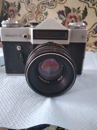 Продаю зеркальный фотоапарат цена 2000 сом
