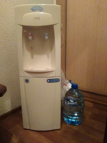 кулер для бутилированной воды. в Бишкек