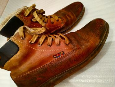 Мужские кожаные ботинки в идеальном состоянии, качество покупал