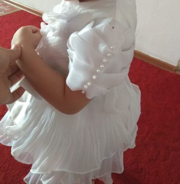 Очень красивое платье для девочки 1,5-2 лет цена 399с можно обмен в Бишкек