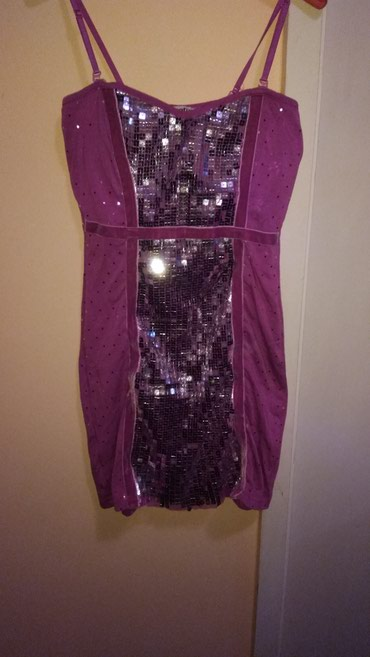 Elegantna haljina, do kolena. ima elastine, velicina m-l - Smederevska Palanka