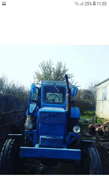 T 40 - Azərbaycan: T-40 hec bir prablemi yoxdu işlek traktordu bir sözle otur surr .FİKRİ