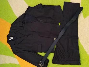 Κοστούμι με γιλέκο και ζώνη. Για 5 ετών. Φορεμένο μια φορά. σε Αθήνα
