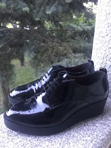 Tamaris kozne cipele 38 i 40, jako udobne