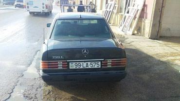 Bakı şəhərində Mercedes-Benz 190 1990