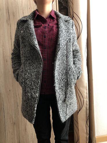Легкое пальто на осень-весна от H&M, размер 34,состояние отличное