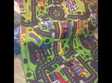 Prodajem deciji tepih velicina tepiha auto staze je : 140x200 cena - Kragujevac