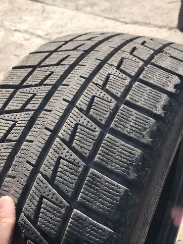 Продаю комплект зимней резины Bridgestone (215/50/17) состояние 70-80%