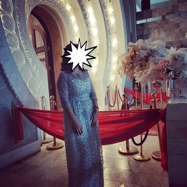 вечерние платья кыргызстан in Кыргызстан   МАТЕРИНСКИЕ ПЛАТЫ: Продаю шикарные платья, размер голубого платья регулируется, чёрная
