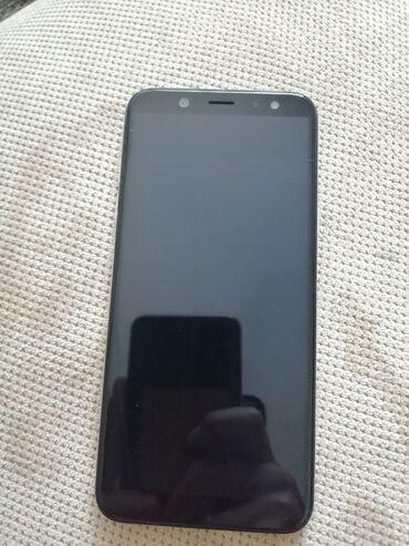 Mobilni telefoni - Kragujevac: Upotrebljen Samsung Galaxy A6 32 GB zlatni