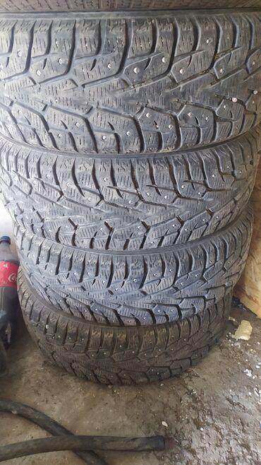 Транспорт - Маевка: Bridgestone 195/60/R15 . Шипованные. Протектор 85% зимние