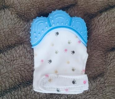 Другие товары для детей в Кемин: Перчатка грызунок покупали за 350 продаю за 250 новая) не пользовались
